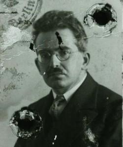 Fotografía del pasaporte de Walter Benjamin