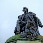La masificación de Shakespeare: ¿embrutecimiento o labor de rescate?
